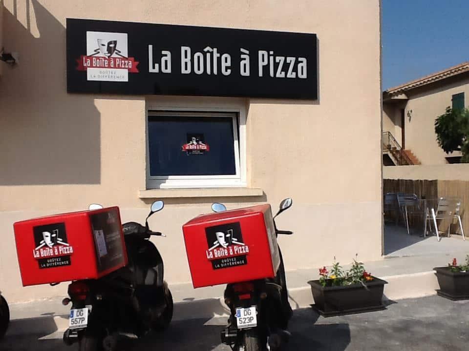 Une Mini Boîte à Pizza Pour Couvrir Les Petites Villes En