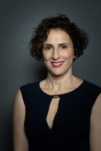Mina Zanat, Directrice Générale du réseau de garde d'enfants Family Sphere