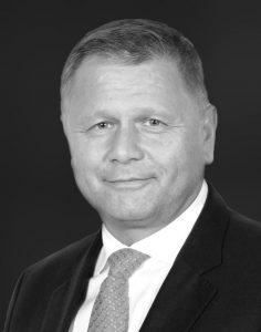 Dominique MUNIER Directeur des enseignes en franchise
