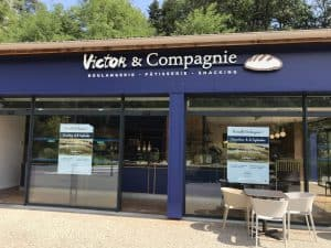 Enseigne-Lyon-Enseigne-lumineuse-Boulangerie-Victor-Compagnie-Ecully-SES-Grigny