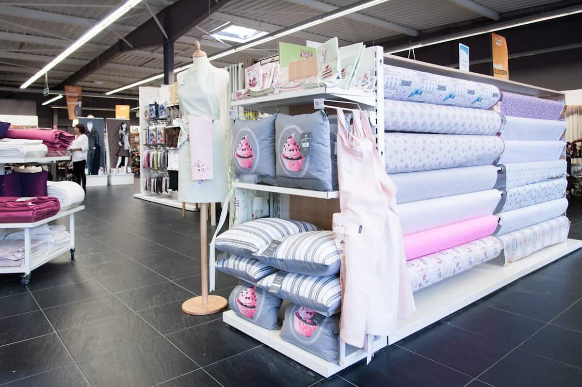 mondial tissus lorient et la rochelle en attendant de. Black Bedroom Furniture Sets. Home Design Ideas