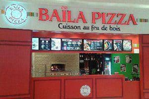 Restaurant de spécialités italiennes, enseigne Baïla Pizza
