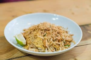 Plat de l'enseigne de restauration asiatique Santosha