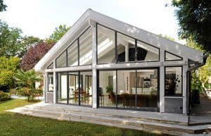 Franchise-vie-et-veranda-blanche