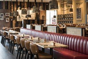 Restaurant en franchise à l'enseigne Hippopotamus au centre commercial Val d'Europe