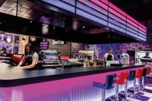 Restaurant à l'enseigne Memphis au nouveau concept 2020 - bar