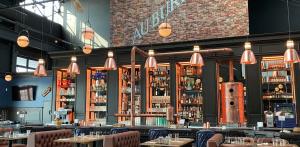 Salle de pub-brasserie Au Bureau en franchise