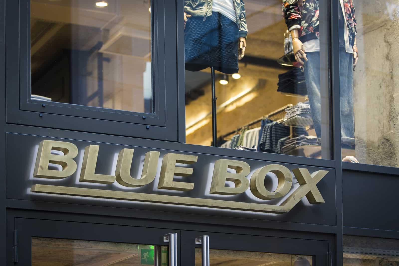 enseigne blue box face Bordeaux